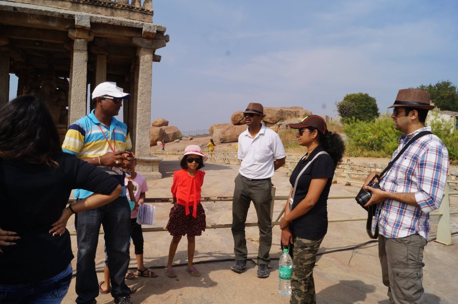 Guide telling history..